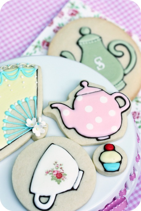tea-party-decorated-cookies